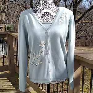 Liz Claiborne size M green sweater with embroidery